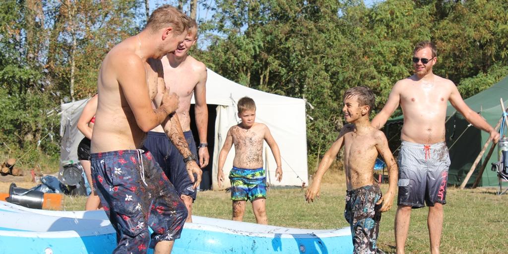 Wasserspiele im Zeltlager
